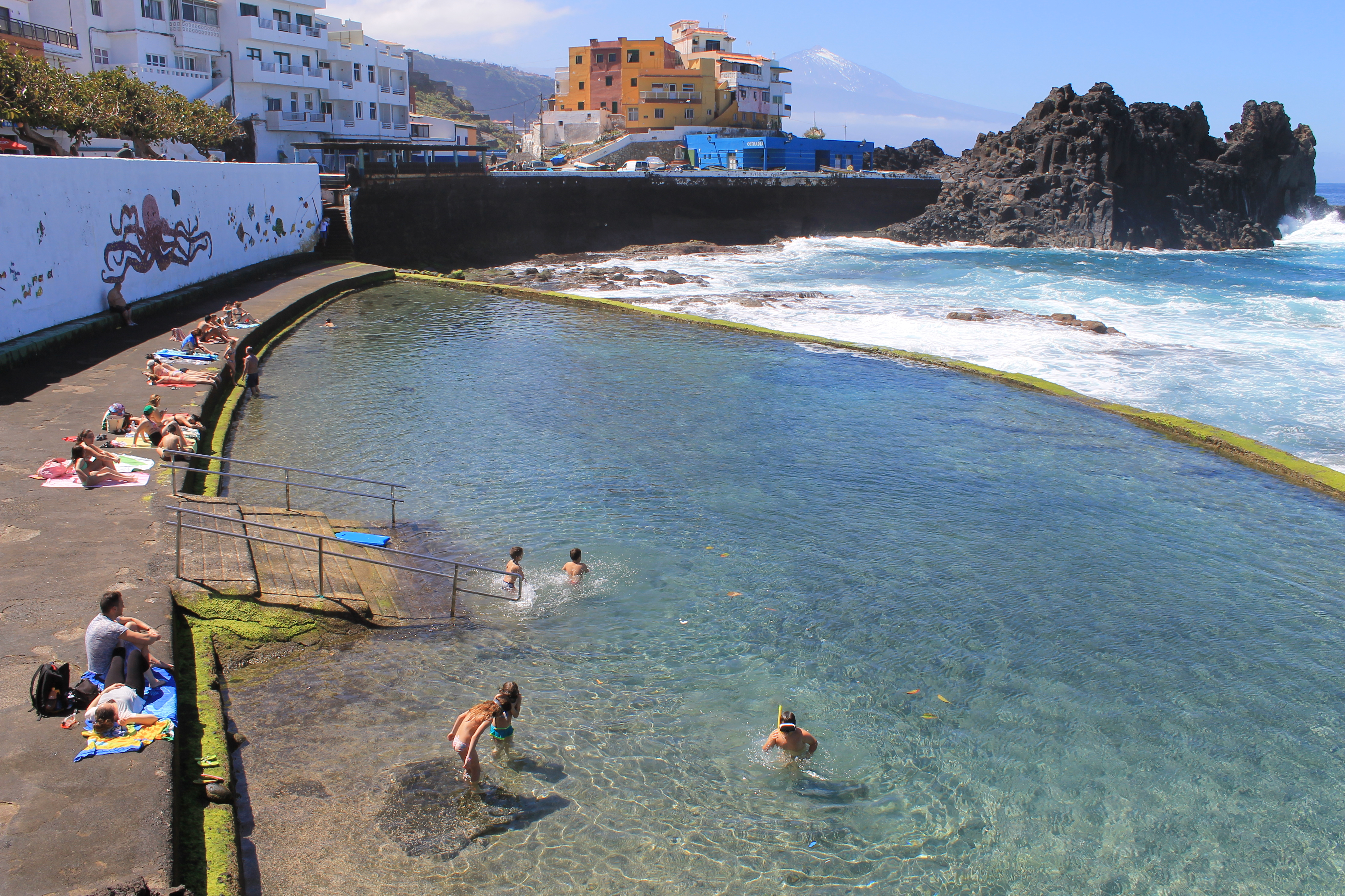 Cinco charcos o piscinas naturales para descubrir en for Piscina natural tenerife