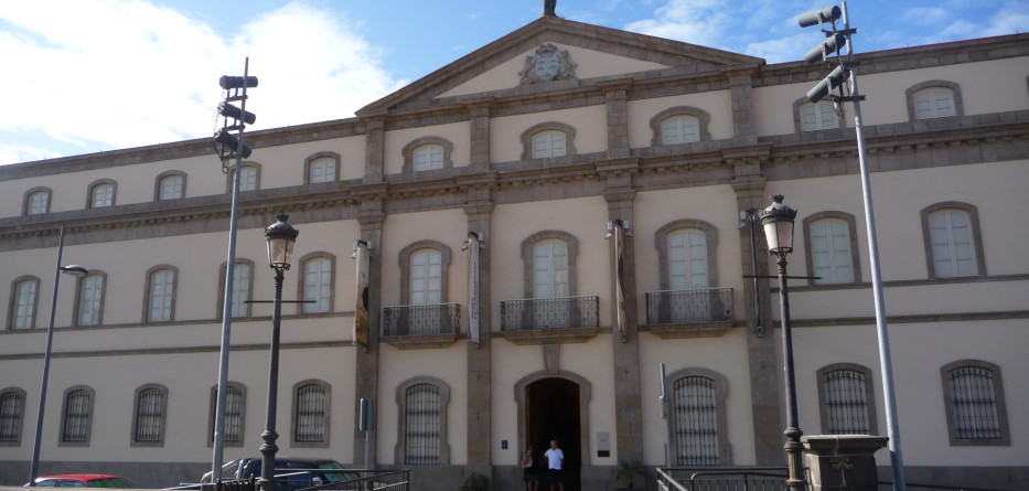 Museo_Arqueológico_(Santa_Cruz_de_Tenerife)_Antiguo_Hospital_Civil_(2)