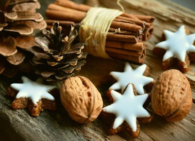 cinnamon-stars-2991174_960_720