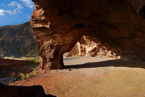 Cueva Montaña Roja