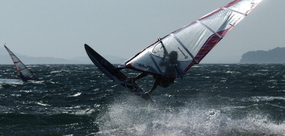 windsurfing-447140_960_720